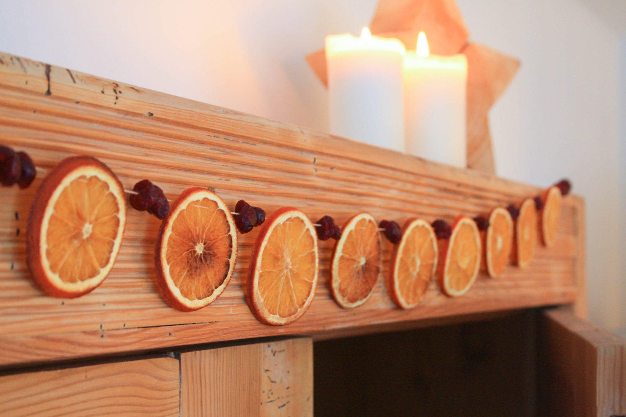 Festtagsgirlande aus Orangen und Cranberries 5