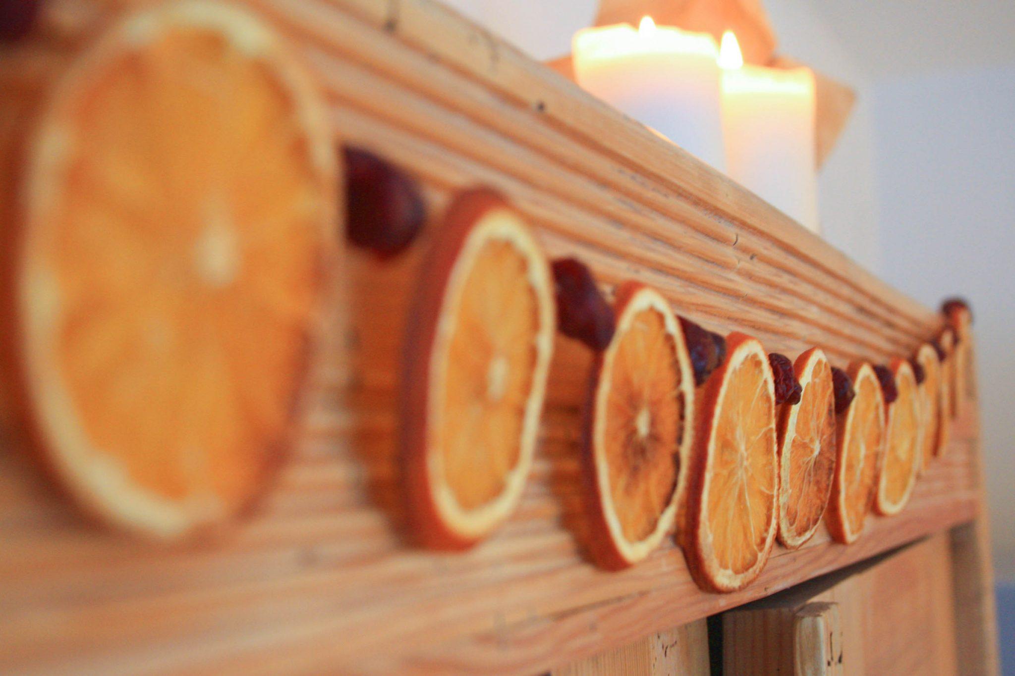 Festtagsgirlande aus Orangen und Cranberries 6