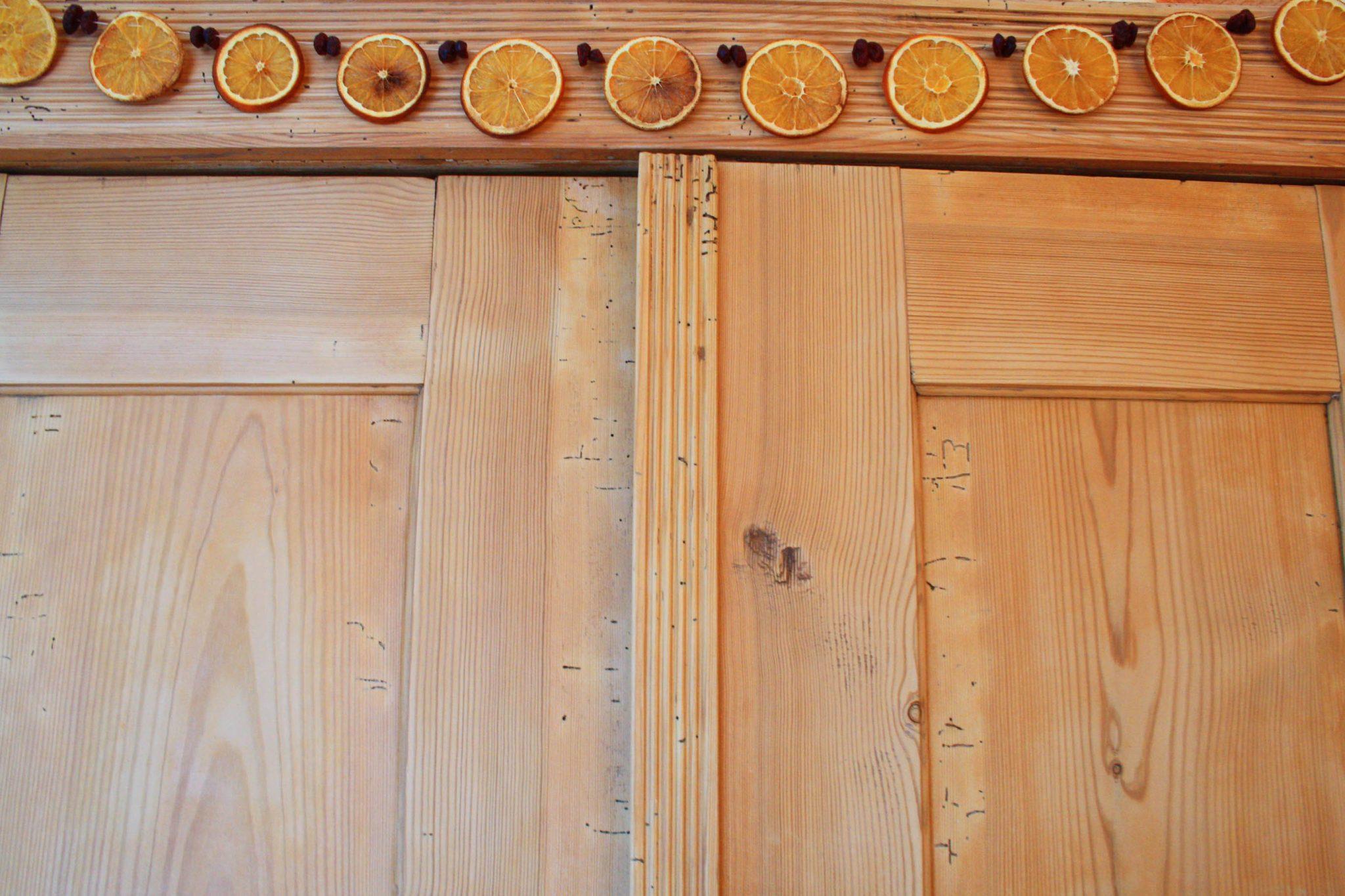 Festtagsgirlande aus Orangen und Cranberries 7